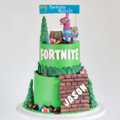 Fortnite-birthday-cake-Blue-Lace-Cakes